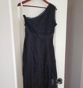 Maxi, one shoulder, black dress.